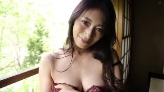 Horny reiko taking her all clothes off for hot sex