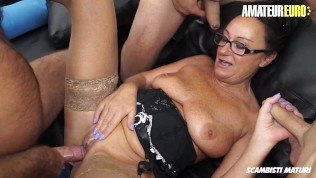 Scambisti Maturi – Granny Gets Gangbanged Hard In All Her Holes
